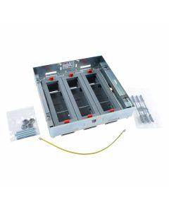 Inbouwframe met lege inbouwunits 3x8 modules - voor dekselset markeerrand - voor horizontale plaatsing schakelmateriaal (Mosaic) - direct te plaatsen in verhoogde vloer - betonvloer met instortdoos (ref. 088092 of 088080+088083)